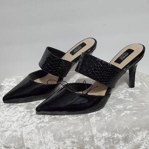 Jones New York Black Closed Toe Sandals B10